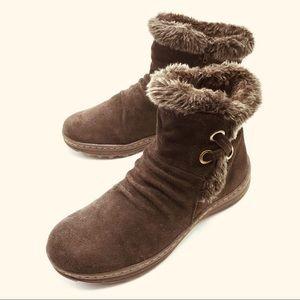 "Bare Traps, Dark Brown Suede Boots, Size 9.5""M"